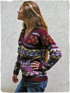 Pullover Ethnique #pullover con #scollo a V e disegni #etnici in #lana #alpaca   #modaetnica #ethnicalfashion #alpacaswhool #lanadialpaca #peruvianfashion #peru #lamamita #moda #fashion #italianfashion #style #italianstyle #modaitaliana #lamamitafashion #moda2016 #fashion2016 #winter #winterfashion #dress #wintersales #sales #sweater