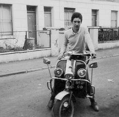 Vintage Motorcycles John Turner circa 1965 - The Mod Generation Retro Scooter, Lambretta Scooter, Vespa, John Turner, Mod Suits, Youth Subcultures, Mod Fashion, Vintage Motorcycles, Historical Photos