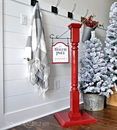 North Pole Stocking Post - but adapt to make into coat rack - so taller, more hooks. Noel Christmas, Country Christmas, Winter Christmas, All Things Christmas, Christmas Stockings, Christmas Stocking Stand, Christmas Tables, Nordic Christmas, Modern Christmas