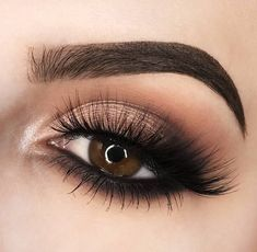 25 Beautiful sparkly eye make-up for your wedding day - beauty of the wedding . 25 Beautiful sparkly eye make-up for your wedding day - . Eye Makeup Tips, Makeup Goals, Skin Makeup, Makeup Inspo, Eyeshadow Makeup, Makeup Inspiration, Eyeliner, Makeup Ideas, Makeup Products