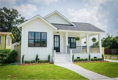 View 22 photos for 5117 Lafaye St, New Orleans, LA 70122 a 3 bed, 2 bath, Sq. single family home built in