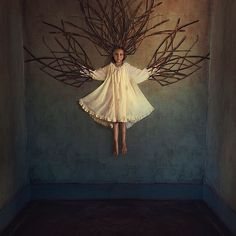 Amazing Conceptual Photography Examples by Brooke Shaden - Photography Career, Self Portrait Photography, Surrealism Photography, Conceptual Photography, Art Photography, Francesca Woodman, Foto Fantasy, Human Condition, Art And Technology