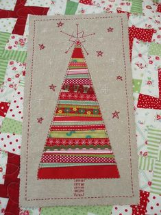 Karen in Australia is making some really cute fabric cards. Christmas Tree Quilt, Christmas Card Crafts, Homemade Christmas Cards, Christmas Sewing, Christmas Fabric, Christmas Art, Christmas Projects, Handmade Christmas, Christmas Ornaments