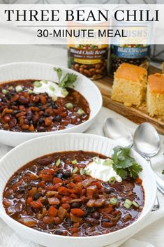 Three bean chili Three Bean Chili Recipe, No Bean Chili, Chili Recipes, Healthy Recipes, Savoury Recipes, Drink Recipes, Delicious Recipes, Easy Recipes, Three Beans
