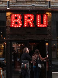 Brü Craft & Wurst, a new beer garden on Chestnut Street in Philadelphia