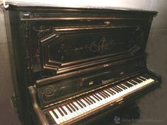 PIANO ANTIGUO MARCA RONISCH