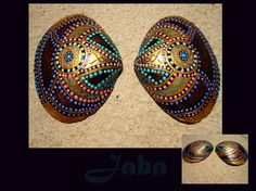 Handpainted ocean shell by Jaba (SOLD) Check out my etsy shop to see which ones are still available: https://www.etsy.com/shop/Jabashop