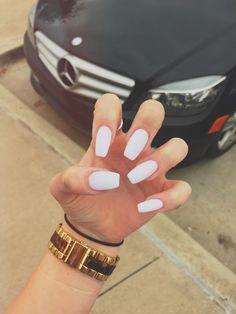 New nails shape coffin white Ideas White Coffin Nails, Coffin Shape Nails, White Nails, Nails Shape, Short Square Acrylic Nails, Cute Acrylic Nails, Bad Nails, Long Nails, Nails Inspiration