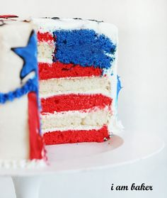 Flag Cake Recipes And More Patriotic Desserts That'll Sweeten The Fourth Of July Fourth Of July Cakes, Fourth Of July Food, 4th Of July Party, July 4th, Patriotic Desserts, Blue Desserts, Patriotic Party, Surprise Inside Cake, Blue Frosting