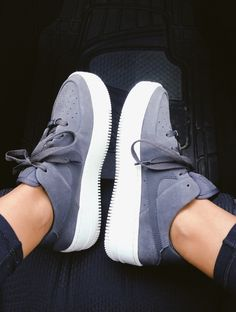 The feeling of those sneakers is unreal ! Converse Sneaker, Sneaker Outfits, Cute Sneakers, Shoes Sneakers, Cute Nike Shoes, Purple Sneakers, Sneakers Mode, Nike Free Shoes, Sneakers Fashion