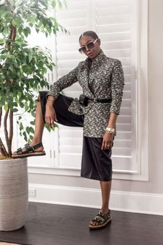 Atlanta blogger shows you how to style a floral suit for the summer. Floral suits are on trend and extremely versatile, here are 5 ways to style them.