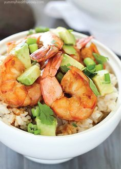 Food - Meal Prep - Healthy Brown Rice Bowl with Shrimp & Avocado with a delicious sauce - a light and easy dinner that will satisfy and taste great! Fish Recipes, Seafood Recipes, Cooking Recipes, Healthy Recipes, Seafood Meals, Healthy Dinners, Healthy Foods, Chicken Recipes, Healthy Weekly Meal Plan