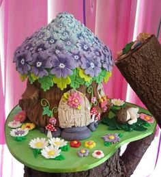 ideas for garden fairy birthday party cake Fairy House Cake, Fairy Garden Cake, Garden Cakes, Fairy Cakes, Party Garden, Fairy Birthday Cake, Garden Birthday, Birthday Cakes For Kids, Woodland Cake