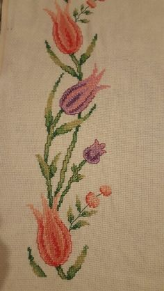 Contact Zeynep directly – Emel Okcan – Join the world of pin Cross Stitch Embroidery, Cross Stitch Patterns, Prayer Rug, Floral Border, Calla Lily, African Art, Diy And Crafts, Projects To Try, Crochet