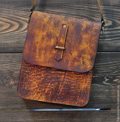 Мужские сумки ручной работы. Ярмарка Мастеров - ручная работа. Купить Кожаная сумка мужская состаренная арт. 8024 купить. Handmade.