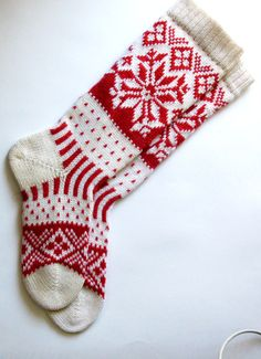 Red and white CUSTOM MADE Scandinavian pattern rustic fall autumn winter knit knee-high wool socks present gift Fall Knitting, Fair Isle Knitting, Christmas Knitting, Wool Socks, Knitting Socks, Knitting Projects, Knitting Patterns, Scandinavian Pattern, Stockings