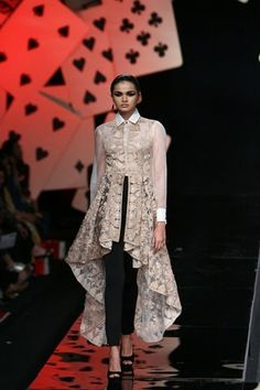 Wills Lifestyle Fashion Week Autumn/Winter Day 4 Indian Wedding Outfits, Indian Outfits, Pakistani Dresses, Indian Dresses, Ethnic Fashion, Asian Fashion, Wills Lifestyle, Lifestyle Fashion, Desi Clothes