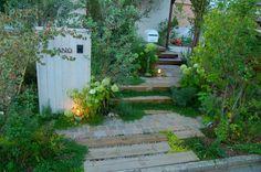 Japanese entryway garden with wabi sabi design