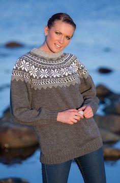 Genser med rund sal - Viking of Norway Etnic Pattern, Sweater Cardigan, Men Sweater, Fair Isle Knitting, Clothing Patterns, Vikings, Knitting Patterns, Turtle Neck, Pullover