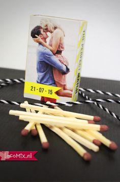 Persoonlijke huwelijksbedankjes met een unieke opdruk met jullie foto of tekst: Wedding Matches. Met dit bedankje van LocoMix laten jullie iedereen weten dat jullie de 'Perfect Match' zijn.