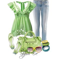 I'd pretend I was tinkerbell if I wore this! ♥