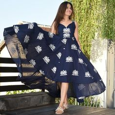 Backnot Lotus Cotton Dress Indian Gowns Dresses, Indian Fashion Dresses, Indian Designer Outfits, Long Dress Design, Dress Neck Designs, Frock Fashion, Fasion, Stylish Kurtis Design, Frock For Women