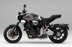 Honda Neo-retro Sports Café launched - Honda's stunning 2018 bike, meshes, naked-sportster style, with neo-retro accents - forming a distinct new motorcycle package; the neo-retro café. Honda Cb1000r, Motos Honda, New Honda, Futuristic Motorcycle, Retro Motorcycle, Motorcycle Design, Motorcycle Girls, Bike Design, Womens Motorcycle Helmets