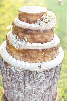 love this faux bois wedding cake