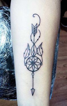 40 Tatuagens de flechas para se inspirar Boho Tattoos, Feather Tattoos, Body Art Tattoos, Basic Tattoos, Tatoos, Arrow Tattoos For Women, Tattoos For Women Small, Arrow Forearm Tattoo, Dream Catcher Tattoo Small
