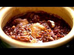Hagyománya van a zsenge bárányhúsnak az ünnepi asztalon. Készülhet belőle sült vagy főtt verzió, de akár ragunak is n... Chili, Favorite Recipes, Meals, Food, Youtube, Power Supply Meals, Chili Powder, Meal, Chilis