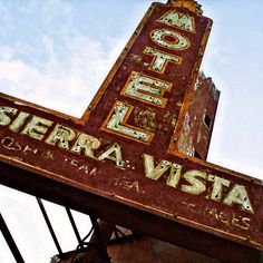 Great decay on this old Motel sign. If it were restored, I am not sure it'd be as interesting to me.