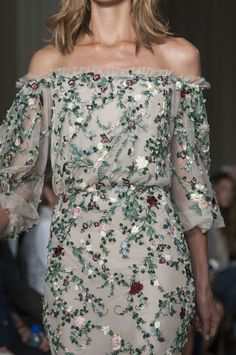 Tweed Rose: Marchesa SS15 London Fashion Week