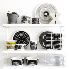 Marimekko Shelfie taken by 📸 Norway Design, Unique Toys, Shelfie, Marimekko, Beautiful Kitchens, Scandinavian Style, Floating Shelves, Kitchen Dining, Home Improvement