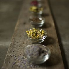 How to make a tincture with different herbs (and their benefits).