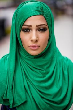 Emerald Green-The Color of the Year 2013/Hijab Styles | SCANFREE