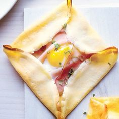crepe with ham and egg