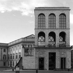 #Repost @kungfudadda @samoht_p  #muziomilano #arengario #polimi  1940 Arengario - P.zza Duomo (collab.Griffini-Portaluppi-Magistretti)  PARTECIPA a #MUZIOMILANO.  Scopri fotografa e condivisi su IG oltre 50 edifici progettati da Giovanni Muzio lungo il Novecento. Da Ca' Brütta alla Triennale. _________________________  #muziomilano è un'iniziativa di #archiviomuzio e @polimi in collaborazione con Ordine Architetti Milano @fondazionearchitettimi #casabella #AlumniPolimi. Scopri come…