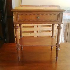 Con le cere Vintage puoi antichizzare i mobili in un istante. Puoi creare patine chiare o scure in puro stile shabby chic