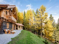 Bergchalet in traumhafter Lage - Kärnten Österreich Austria, House Styles, Home, Chalets, Cottage House, Viajes, Ad Home, Homes, Haus