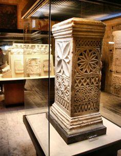 Restos arqueológicos de la iglesia visigoda de San Vicente en la Mezquita de Córdoba