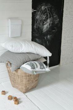 Villaa ja vaniljaa Laundry Basket, Baby Room, Wicker, Kids Room, Crafts For Kids, Villa, Nursery, Children, Photos
