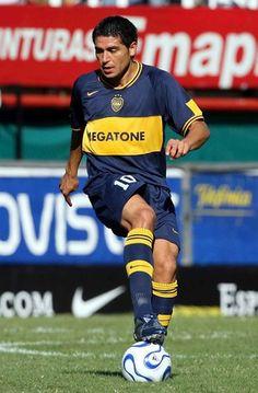 Juan Roman Riquelme of Boca Juniors in Football Icon, World Football, Sport Football, Football Cards, Good Soccer Players, Football Players, Argentina Football Team, Ronaldo 9, Cr7 Messi