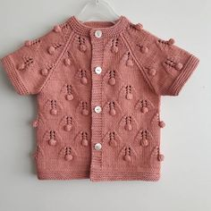 Modern Baby Vest Models – Knitting And We Toddler Girl Style, Toddler Fashion, Knit Fashion, Fashion Outfits, Little Girl Fashion, Vogue Knitting, Baby Knitting Patterns, Pullover, Pulls