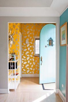 A bright and fun entryway! Love this.
