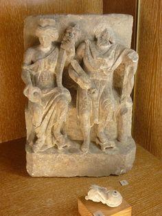 Couple de divinités gallo-romaines - Musée archéologique de Dijon (Côte d'Or)