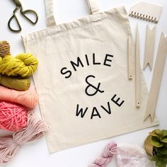 SMILE AND WAVE canvas tote