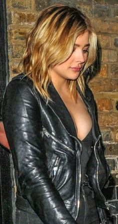 Chloe Moretz Chloe Grace Moretz Feet, Chole Grace Moretz, Emma Watson, Curvy Women Outfits, Hot Blondes, Woman Crush, Beautiful Actresses, Girl Pictures, Beauty Women