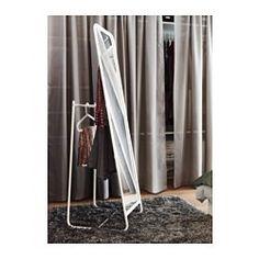 IKEA - KNAPPER, Staande spiegel, , Geen ochtendmens? Bespaar tijd door je kleren voor morgen vast aan de achterkant van de spiegel klaar te hangen.Wil je minder vaak wassen en ook geen bergen vuile was, hang gebruikte kleren dan aan de achterkant van de spiegel.Voorzien van beschermfilm - vermindert het risico op letsel en beschadigingen als het glas zou versplinteren.Past overal; ook getest en goedgekeurd voor de badkamer.