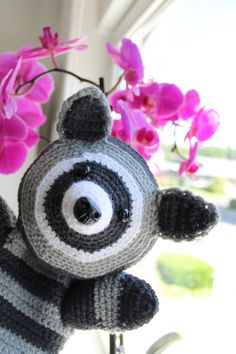 http://crochet-andrea.tumblr.com/post/87382123413/raccoon-puppet-free-pattern-the-pattern-is