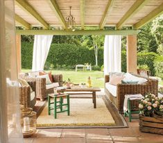A small house overlooking the woods in Spain - PLANETE DECO a homes world Pergola, Outdoor Furniture Sets, Outdoor Decor, House In The Woods, Garden Paths, Outdoor Living, Sweet Home, Backyard, Outdoor Structures